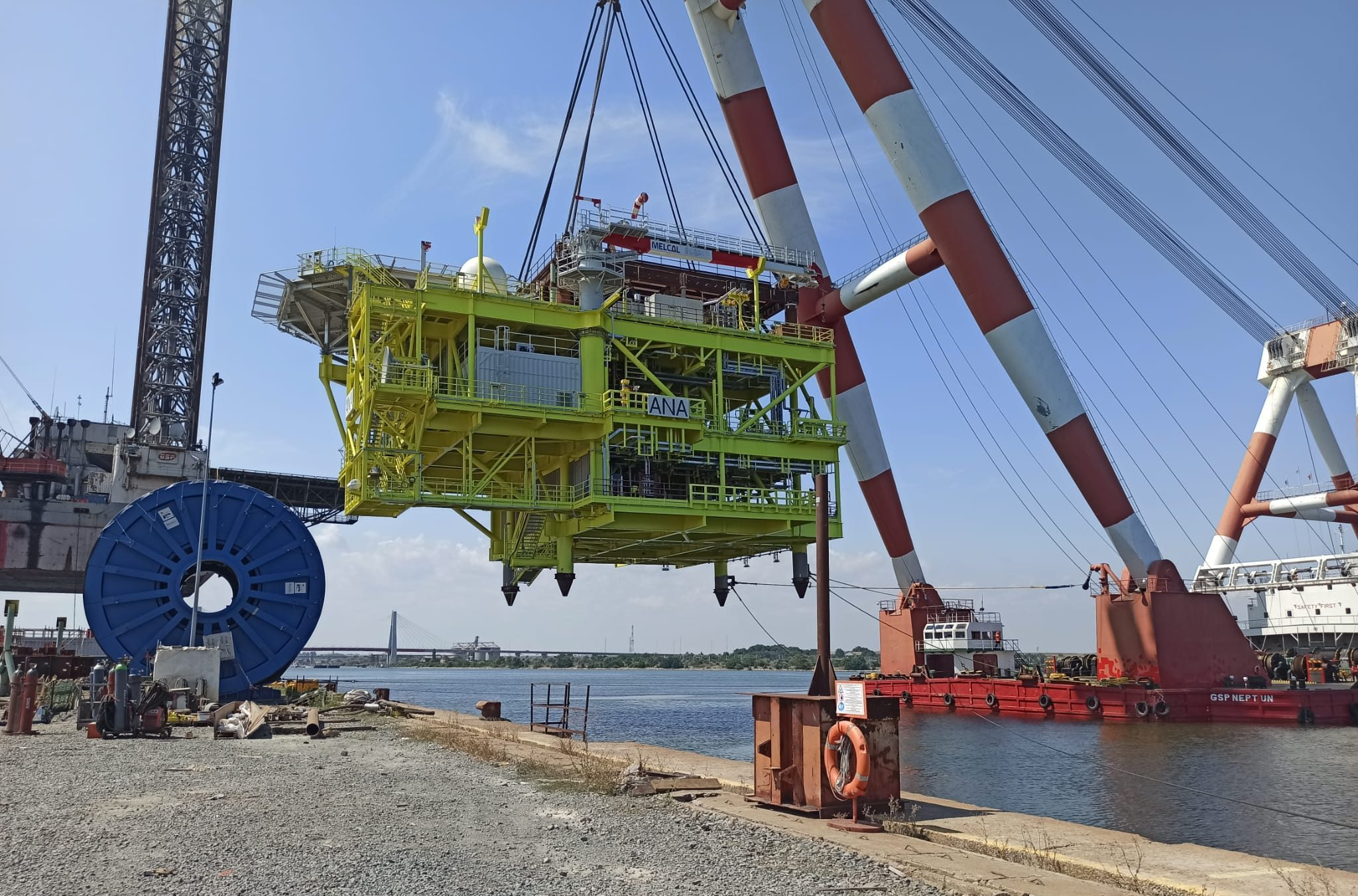 Topside Load Out – Mooring and Weighing Support